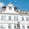 Schlesingerplatz mit Wachsamkeitsbrunnen