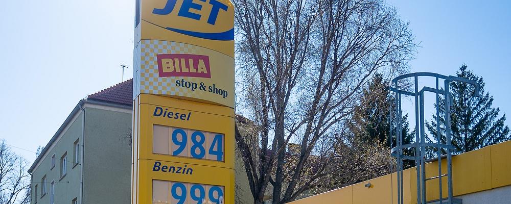 Treibstoff bleibt billiger