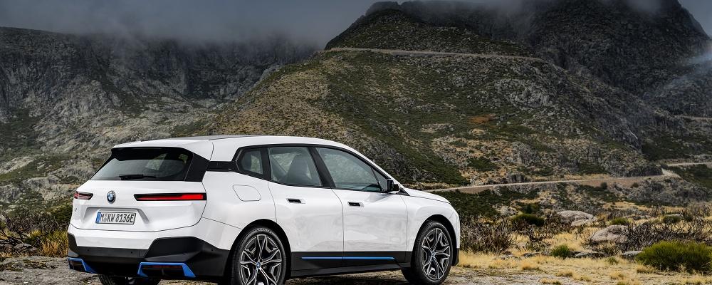 BMW iX SUV kommt 2021