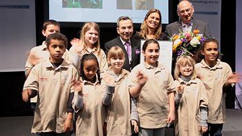 Bildungsbotschaftrein 2010 Sarah Wiener bei der Preisverleihung / Bild: bikl.de