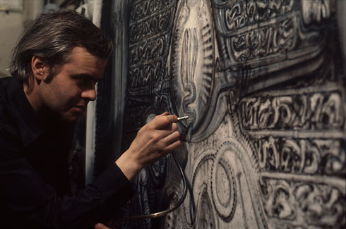 HR Giger at work, 1978, Foto: Mia Bonzanigo / © HR Giger, 2011