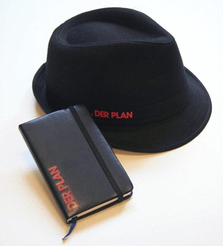 Mafiahut und Notizbuch