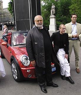 Gianfranco Ferré (links) mit Gery Keszler, Life Ball Organisatior (mitte) und Werner Paar, MINI Ö